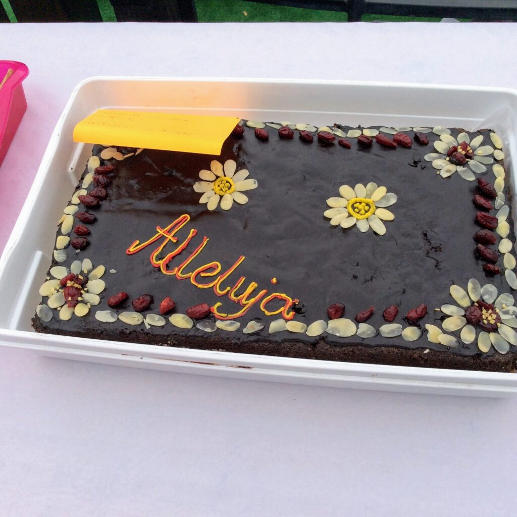 Polish Easter cake in chocolate with daisy decorations